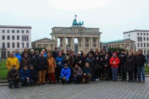 Gruppenfoto vor dem Brandenburgertor